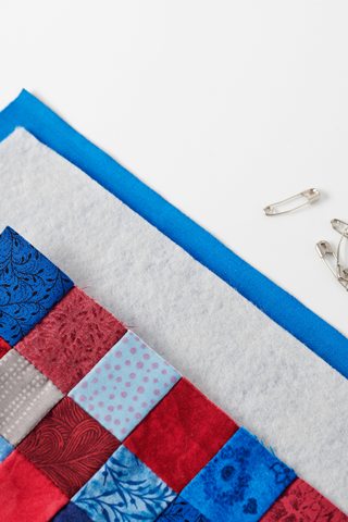 Altogether Patchwork, Quilt sandwich, Preparing a quilt for quilting, Beginner quilting, How to make a quilt