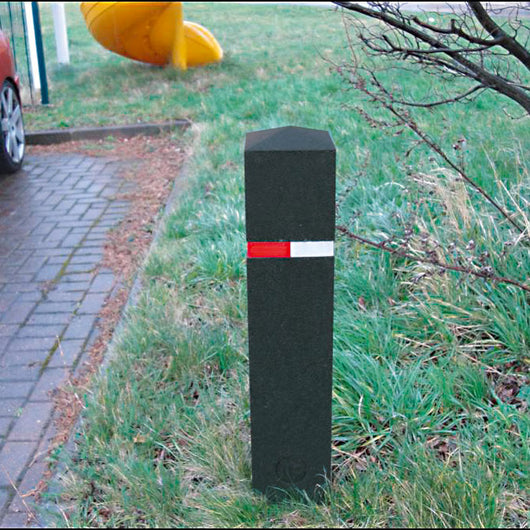 Berkeley Recycled Rubber Bollard 1