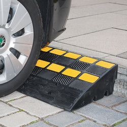 Traffic-Line Heavy Duty Kerb Ramp (Image 1)