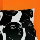 Black heads pillow