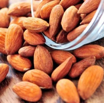Almonds raw 2kg