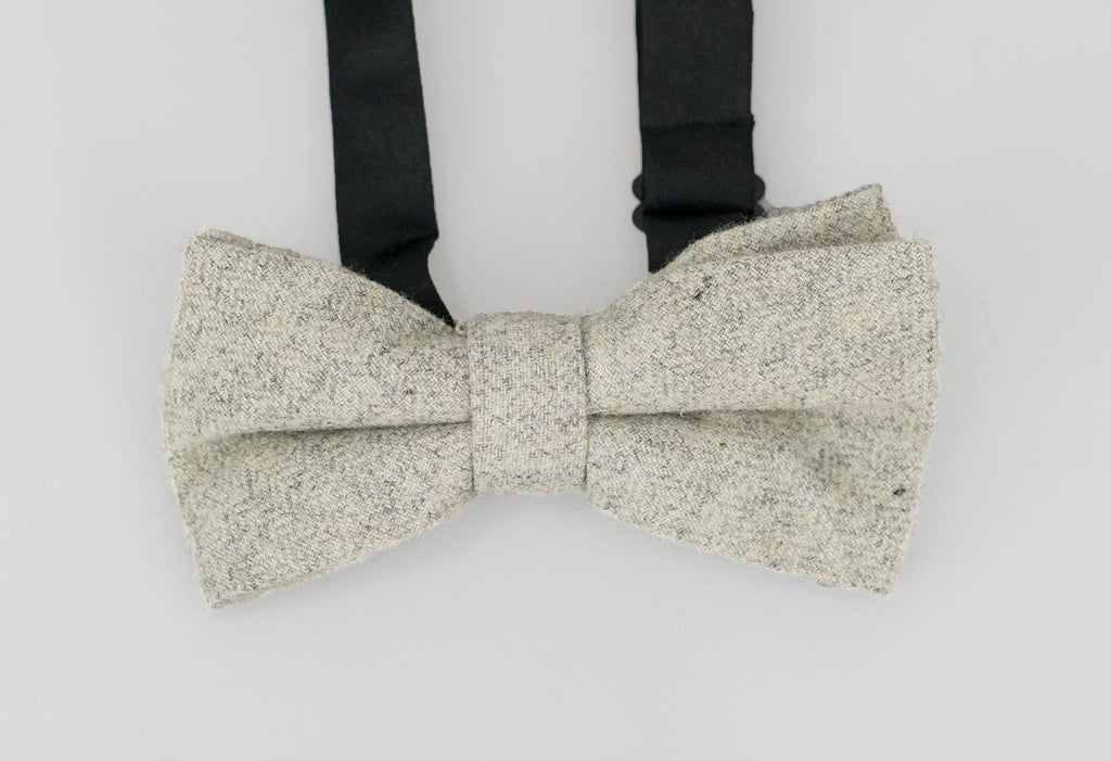 House Of Cavani Martez Grey Bow Tie Set