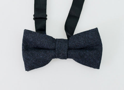 House Of Cavani Martez Navy Bow Tie Set
