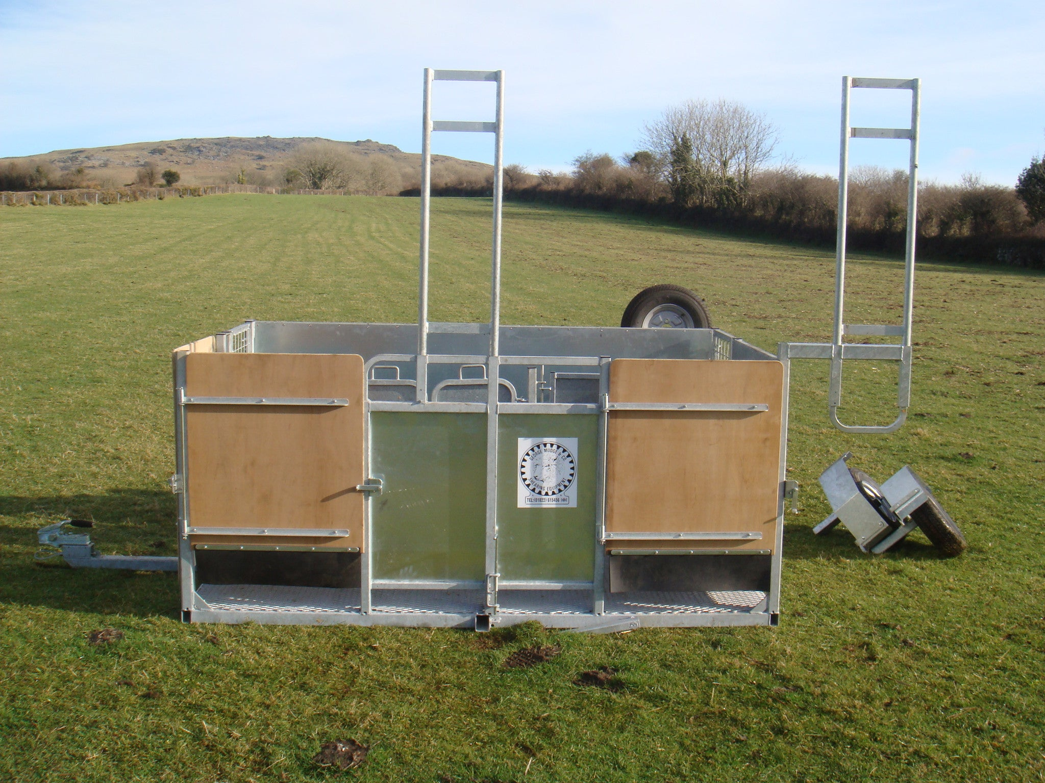 2 stand mobile shearing pen