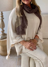 Load image into Gallery viewer, Mondial Poncho in Vanilla By Feathers Of Italy