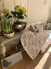 Load image into Gallery viewer, White Willow Heart - Large - The Interior Co