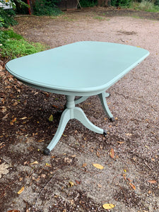 Large Oval Mahogany Country Folding Table With Claw Feet