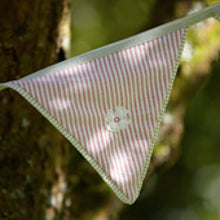 Load image into Gallery viewer, Suzie Watson Fabric Daisy Bunting - 3.5 Meters Long