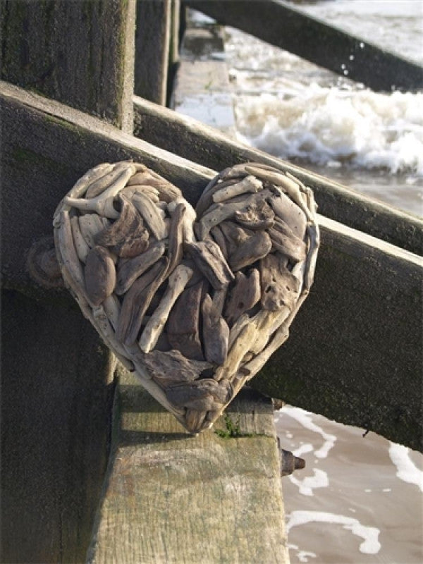 Driftwood heart Medium fair-trade product by The Interior Co