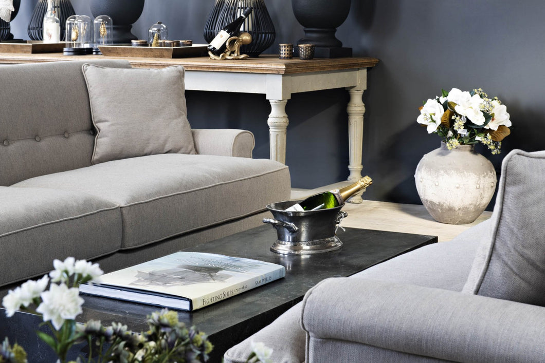 COUNTRY HOMES & INTERIORS: THREE SEATER SOFA