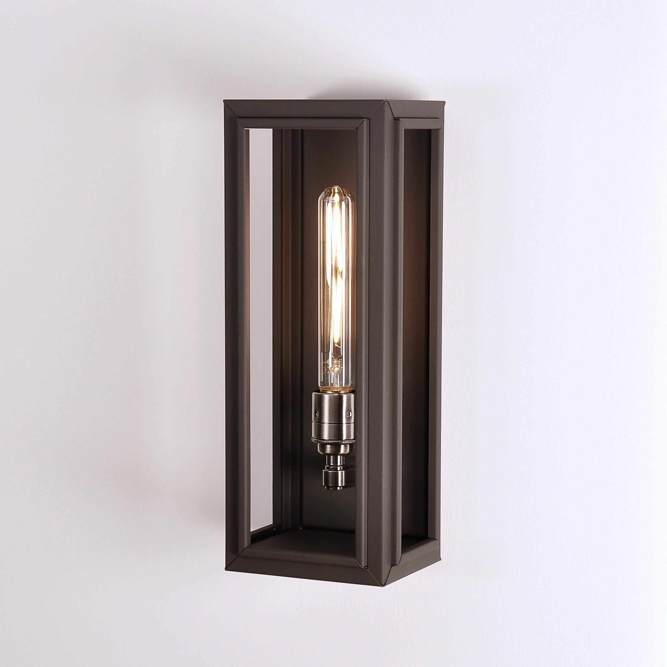 Nicholas Engert Marketing | Windsor Lantern-Medium-Black