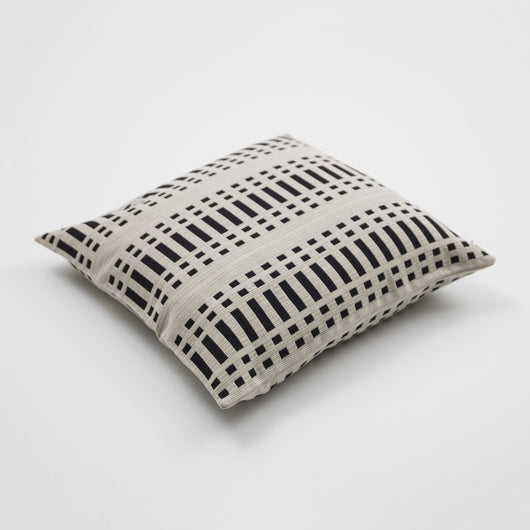 Luxury Cotton Cushion - Nereus from Johanna Gullichsen - Black/Reverse