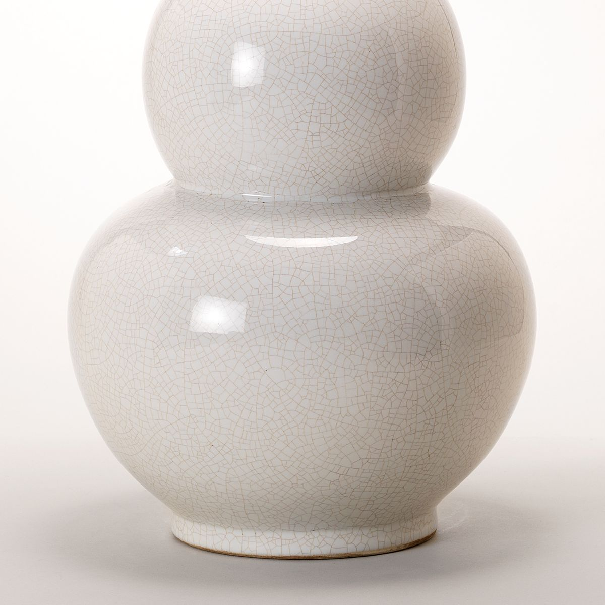 Gourd Vase Table Lamp - White - Detail | Nicholas Engert Interiors