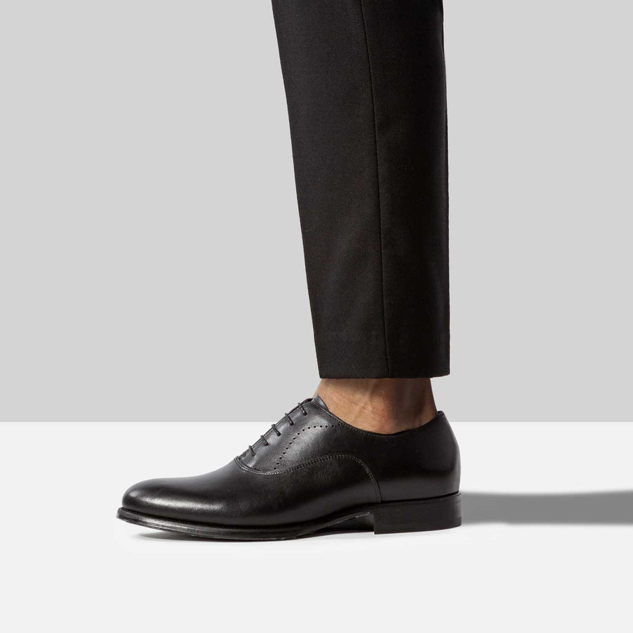 No show liner socks pairs perfectly with Oxford Loafers.