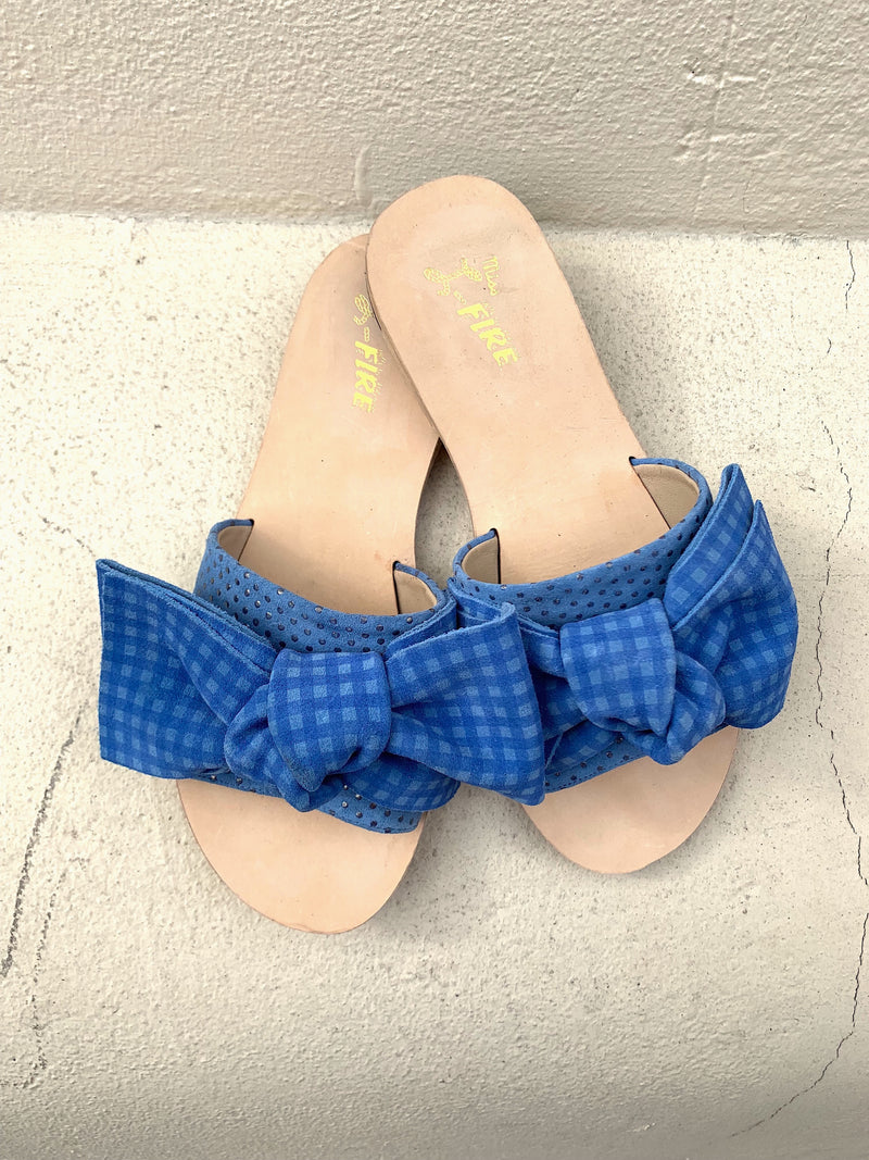 Serafina blue gingham flat sandals with bow detail