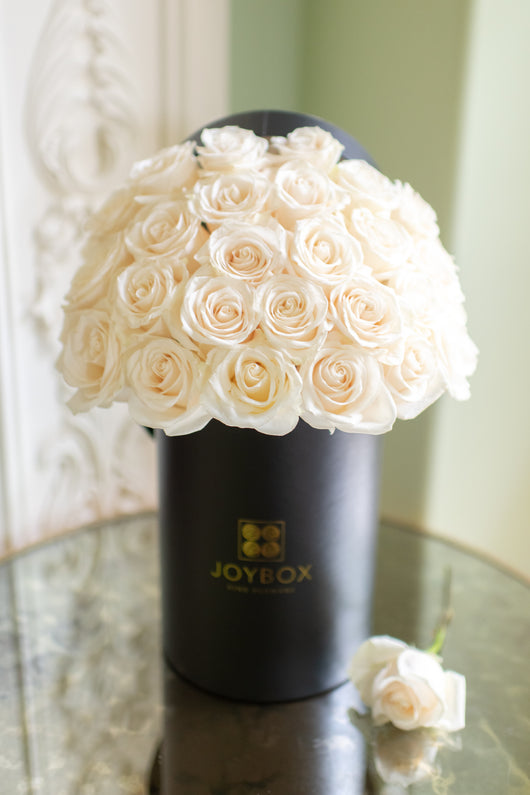 Signature White Rose Box