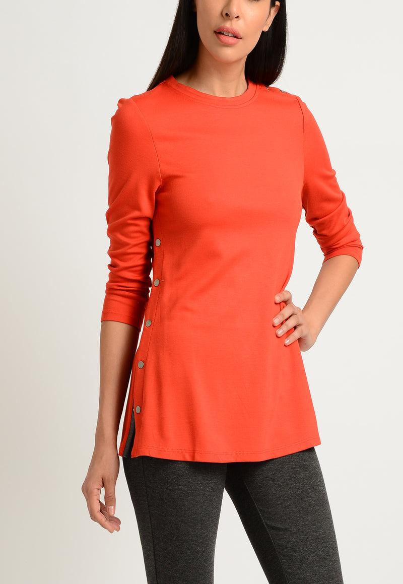 3/4 SLEEVE JEWEL NECK WITH SIDE SNAPS