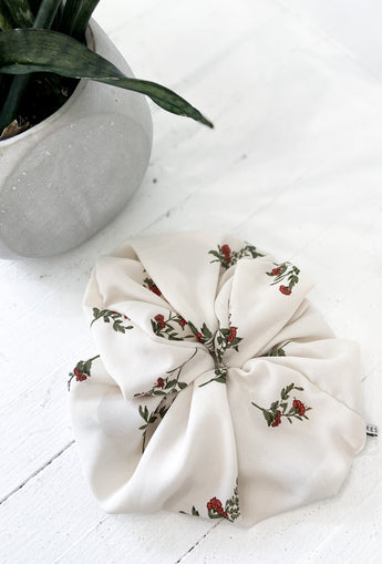 Large Off White and Mini Red Flowers Scrunchies