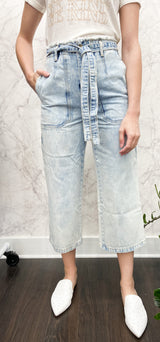 Avery Cropped Trousers in Acid Wash