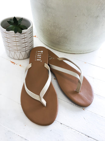 Sami Flip Flop in Ivory Patent