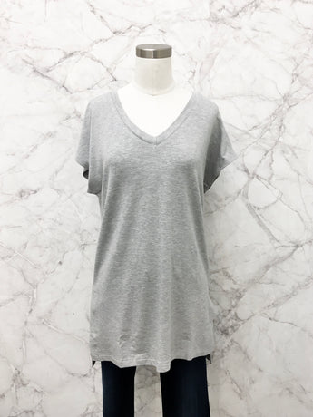 Jackie V-Neck Tee in Heather Grey