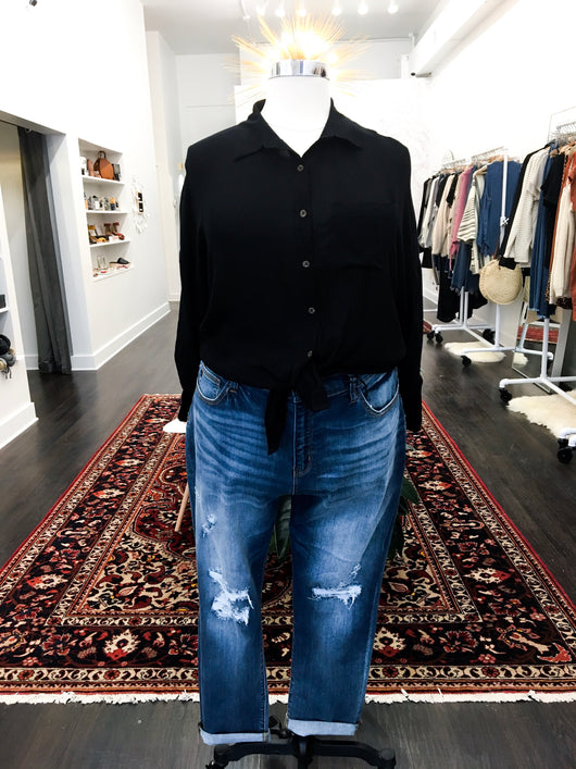 Lisa Button Down Blouse in Black