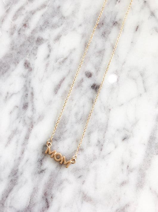 Dainty Necklace - MOM in Gold