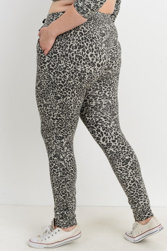 CURVY COZY UP IN COMFORT LEOPARD JOGGERS