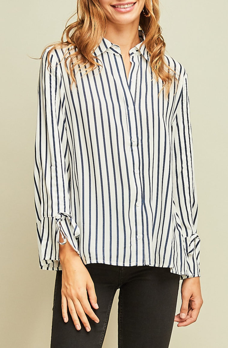 WIT AND CHARM BUTTON UP TOP