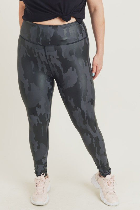 CURVY CAN'T STOP CAMO FOIL LEGGINGS
