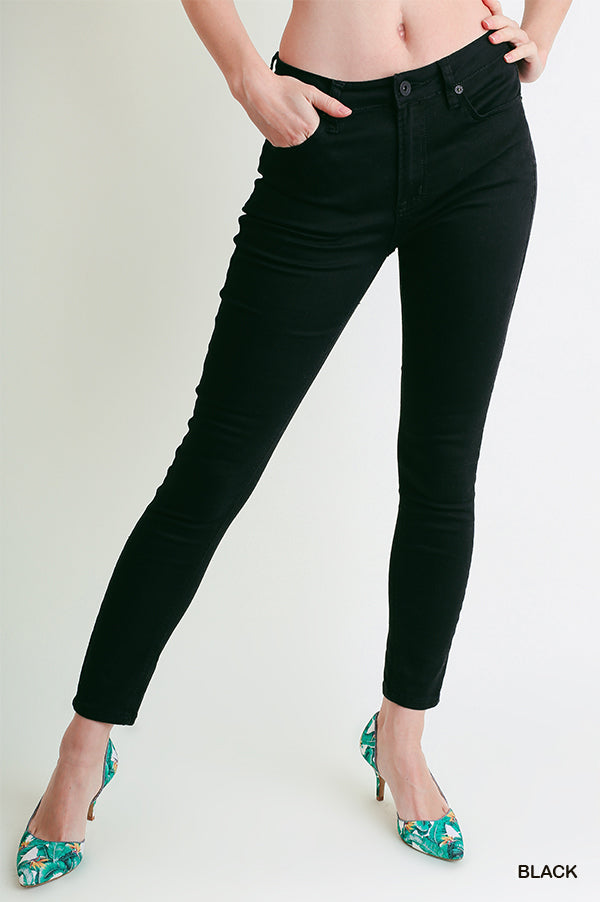 NOT BASIC BUT FUN BLACK SKINNY JEANS