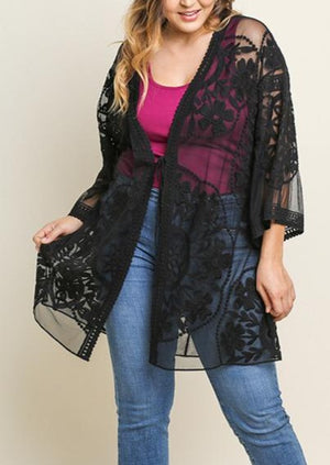 Load image into Gallery viewer, Curvy Tell Me More Lace Kimono | Black