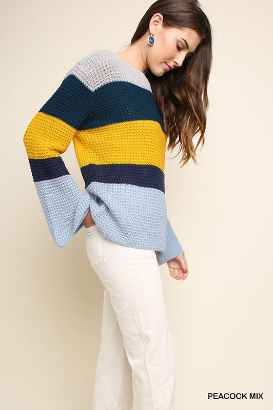 PRETENDING NAVY SWEATER