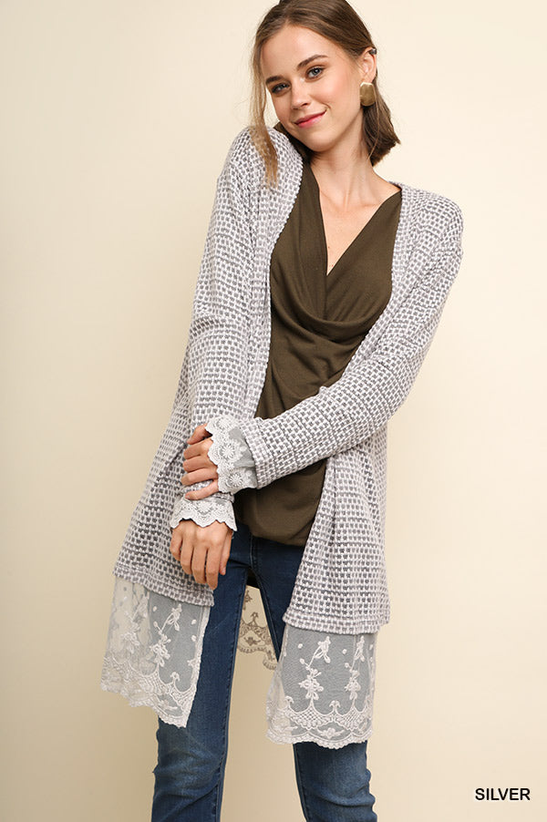 TRY TO HIDE IT LACE CARDI