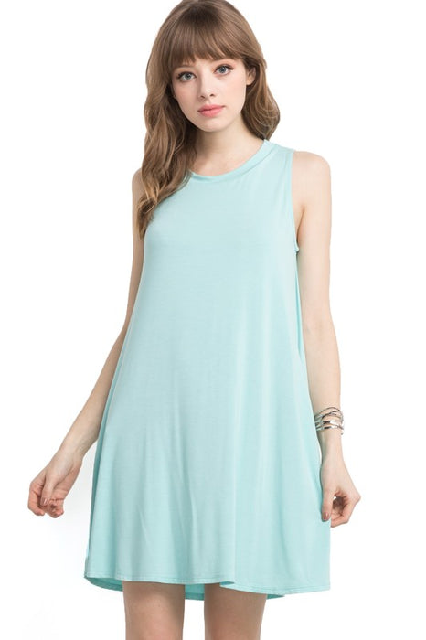 EVERYDAY ESSENTIAL SLEEVELESS DRESS