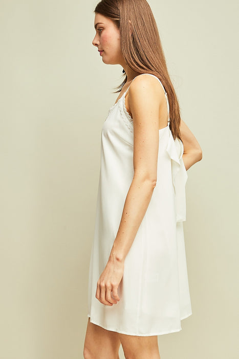KISS GOODBYE WHITE DRESS