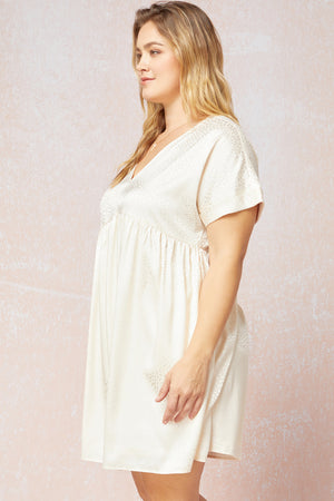 Load image into Gallery viewer, Curvy Harmony Spotted Babydoll Dress | Cream