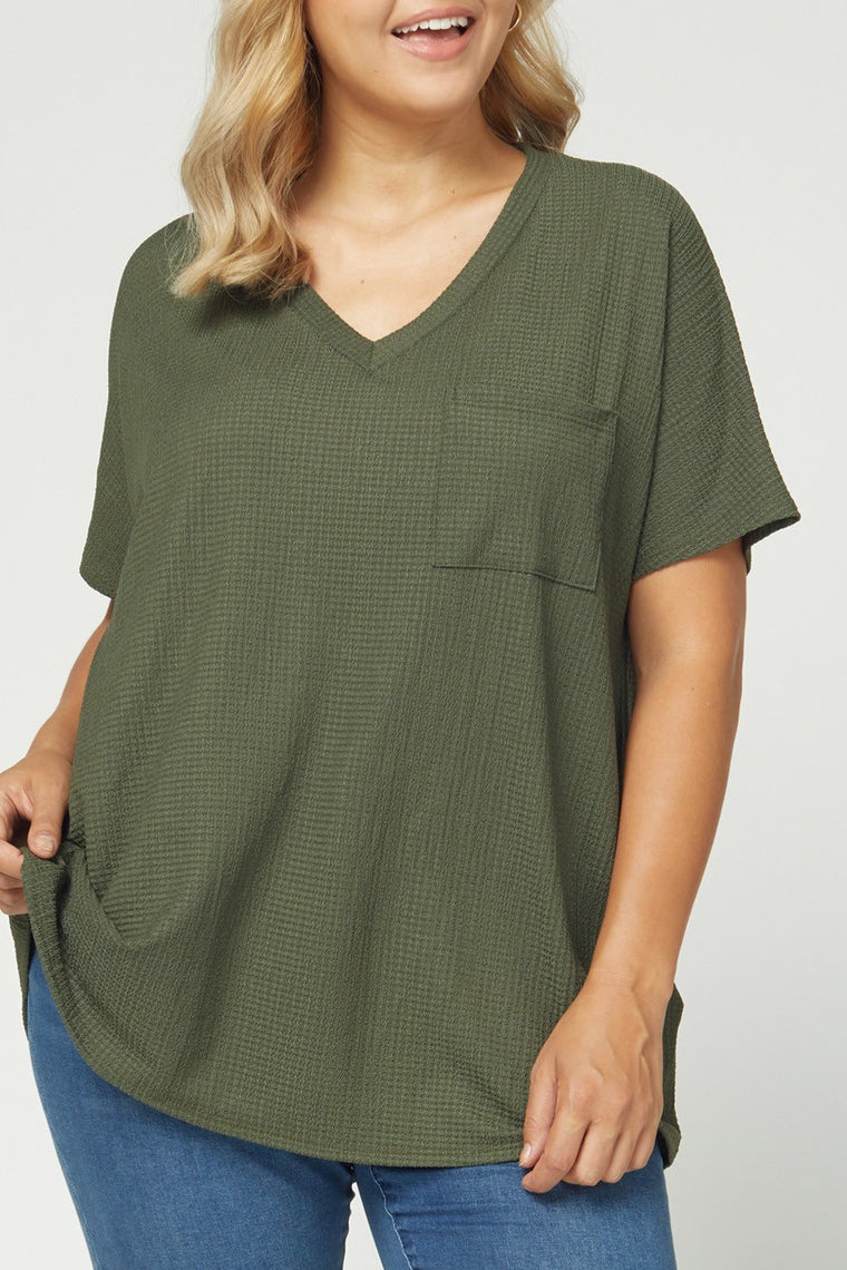 CURVY CRAVING CUTE FALL TOP