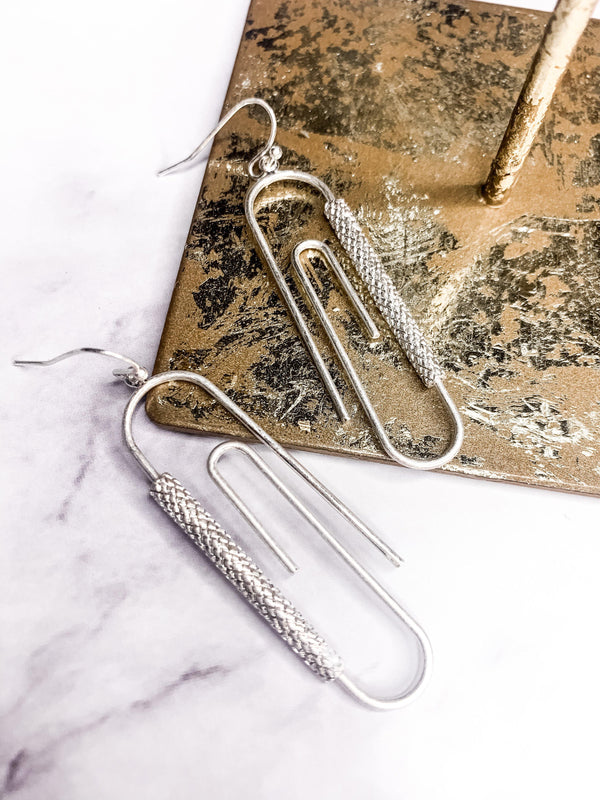 OFFICE LADY PAPER CLIP SILVER EARRING