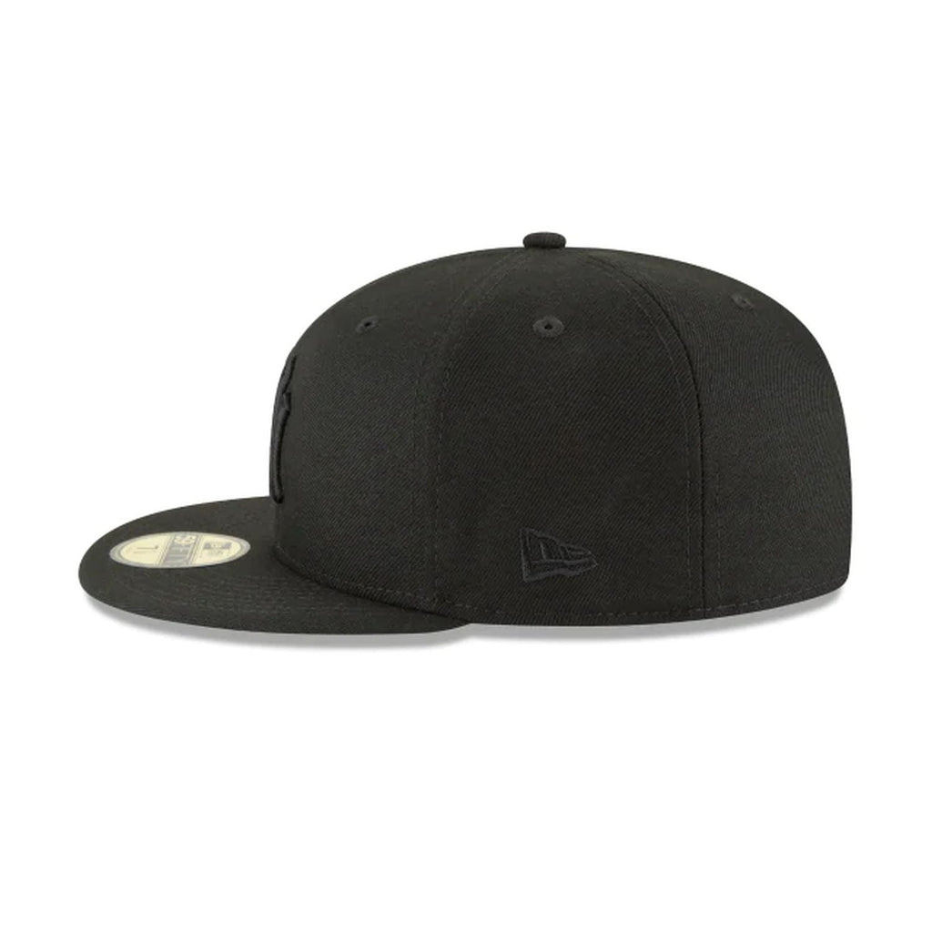 New Era New York Yankees Blackout Basic 59Fifty Fitted Cap Hat Black