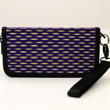 11-10i8 Cellphone Wallet Case w/ Wristlet