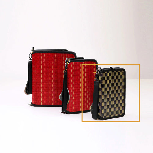 18ER1 E-Reader Case w/ Wristlet - Small ***PREORDER FOR APRIL DELIVERY***