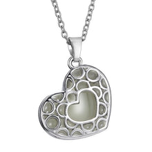 Aromatherapy - Pretty Heart Diffuser Charm Necklace - FREE SHIPPING