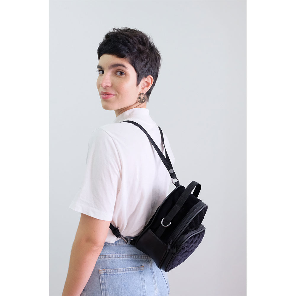 GLITCH ONLINE MINI MOCHILA SHOULDER BAG TINA VELUDO PRETO