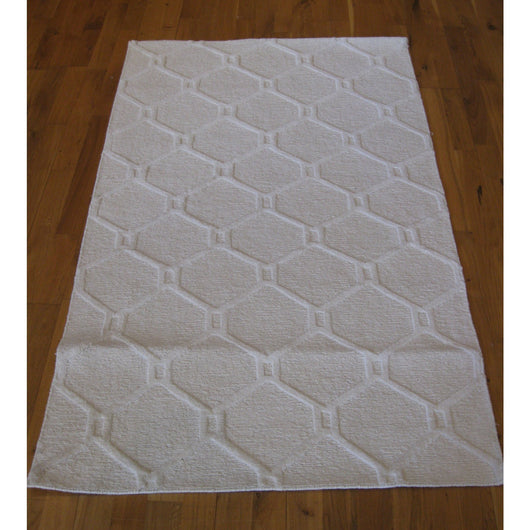 White Tile Pattern Rug