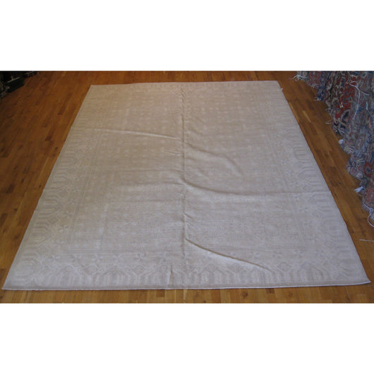 Ivory and Beige Pomegranate Design Rug