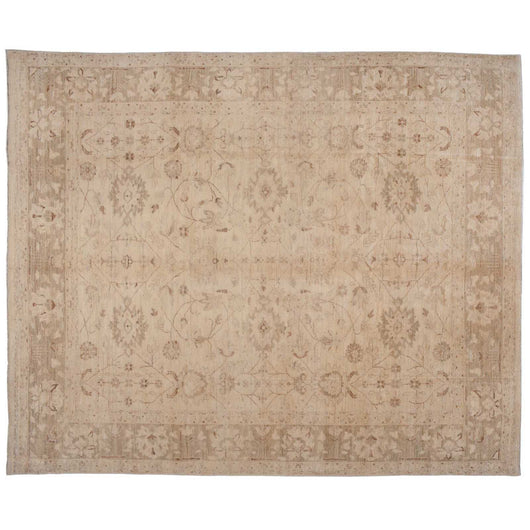 Traditional Rug in Beige with Floral Motif