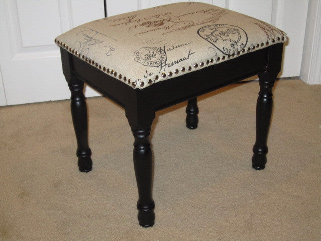 How to quickly reupholster a footstool