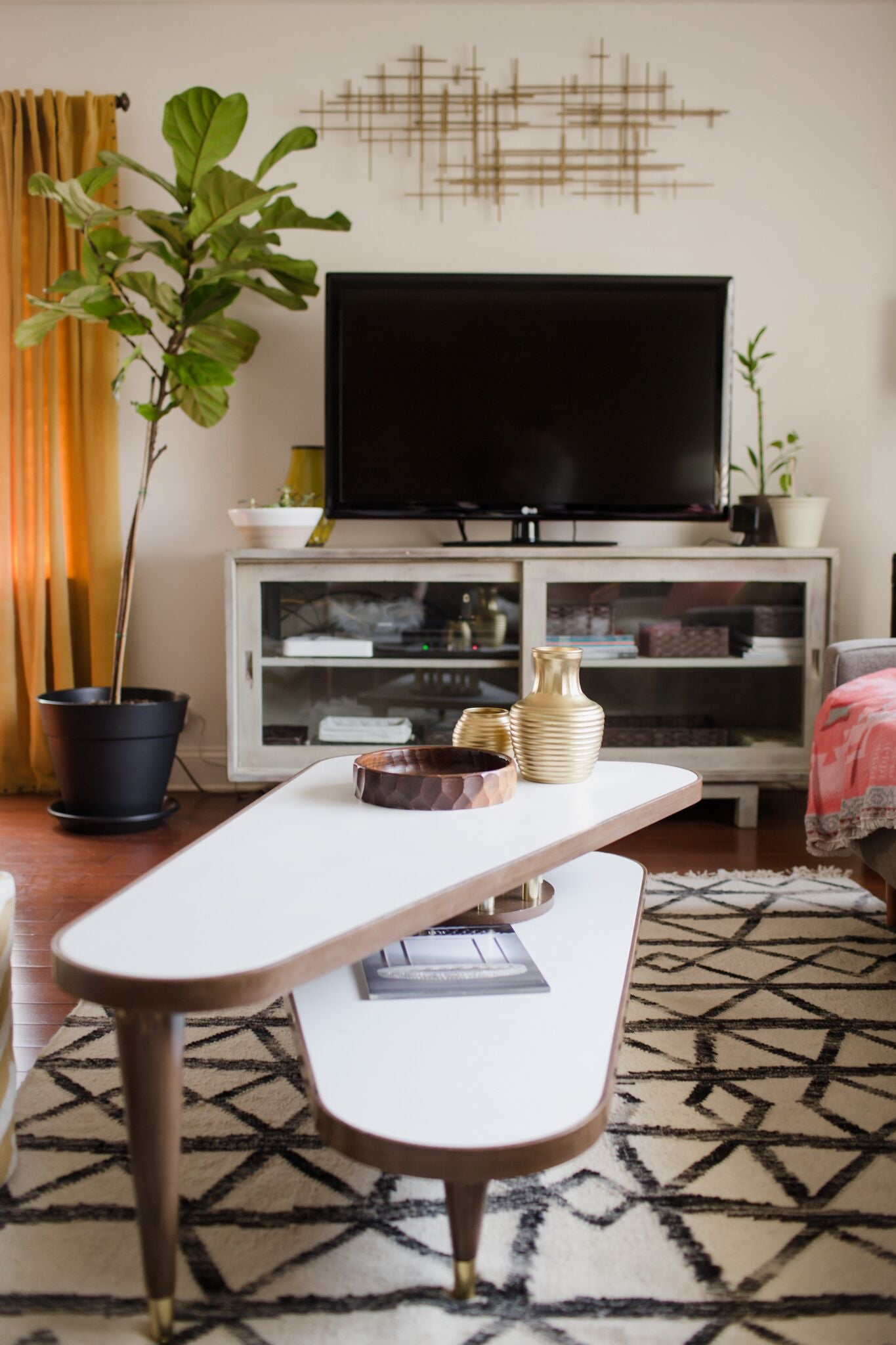 decorating ONE room 3 different ways on astral riles blog 12
