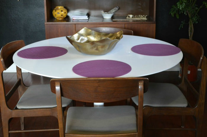 white saarinen tulip style dining table on astralriles.com 3